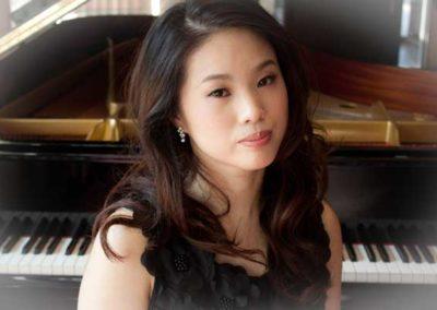 Mako Okamoto, Klavier