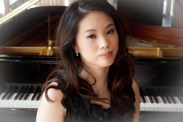 Mako Okamoto, piano